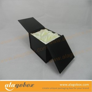gift boxes with satin line