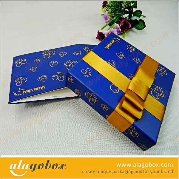foldable blue gift box with ribbon