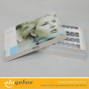 Beauty packaging with vacuum tray