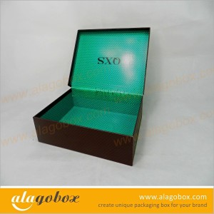 joint paper presentation box for clothing