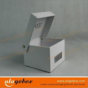 box with window for belt
