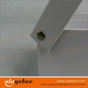 joint paper box with metal rivet