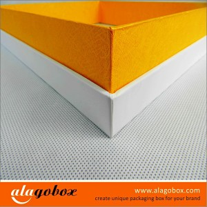 presentation boxes with art paper