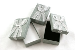 earring gift box with ribbon