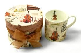 mug gift box with ribbon