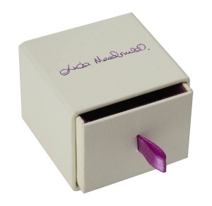 sliding ring box with ribbon