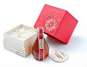 honey packaging box with shredding paper