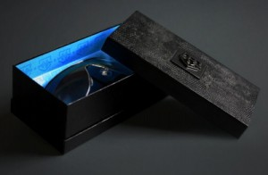 textured paper eyeware packaging