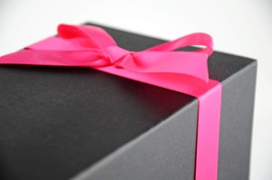 pink bow toffee box