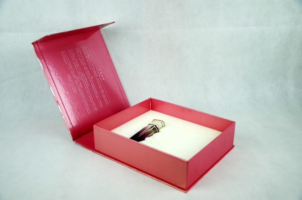glossy beauty box with book style design